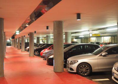 multi-storey-car-park-1271918_1920